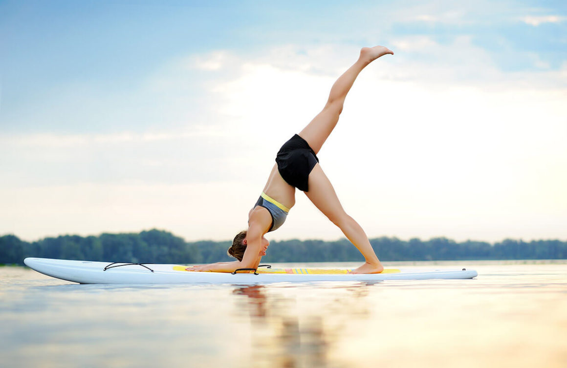 Paddle Yoga Tout Ce Qu Il Faut Savoir Pour Se Lancer Atout Nautic